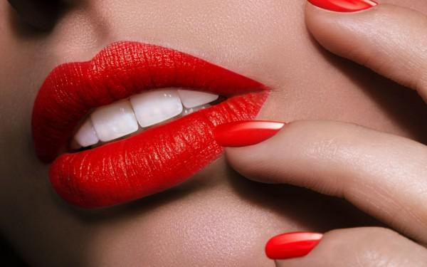 hot-red-lips-211246